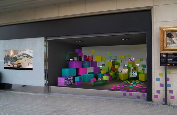 ELISAVA diseña el escaparate de Sony Style Barcelona 6