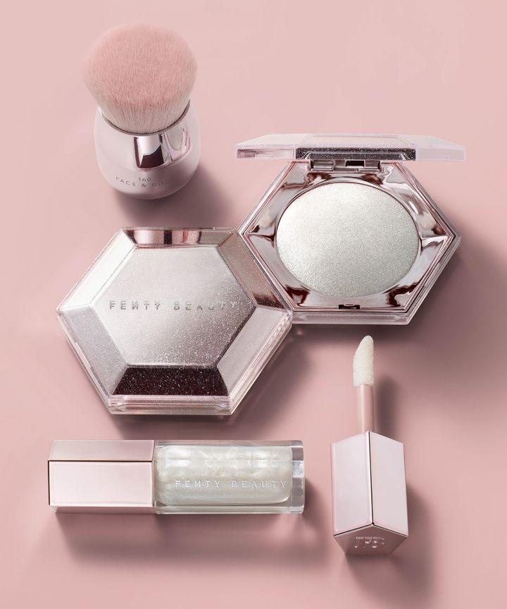 Conoce la nueva colección de Fenty Beauty: Diamond Bomb & Diamond Milk Gloss 1